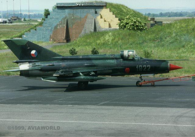 Výsledek obrázku pro MiG-21R-2101