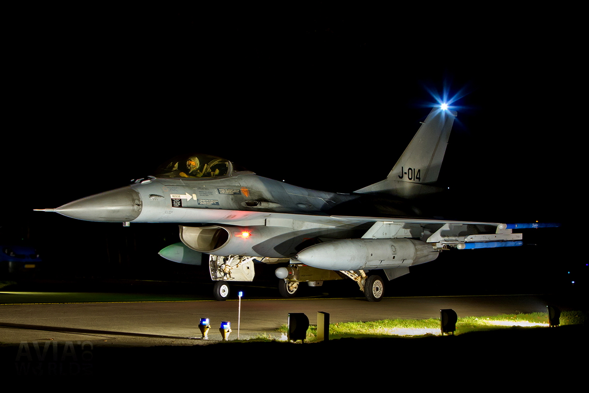 RNLAF Klu F-16A MLU J-014 Night Flying at Volkel AB