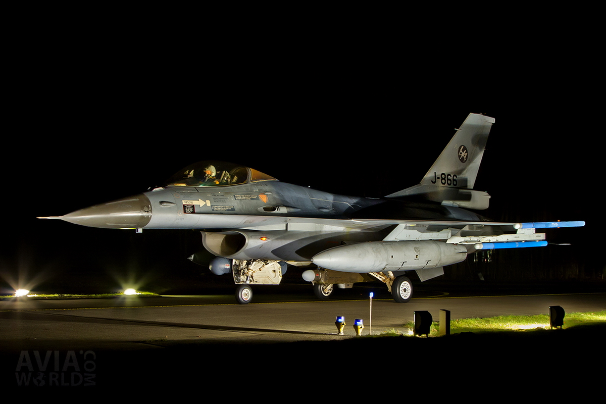 RNLAF Klu F-16A MLU J-866 Night Flying at Volkel AB