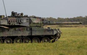 Leopard 2A6MA2 moving forward