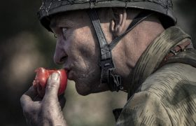 Operation Amherst - Fallschirmjäger eating a tomato